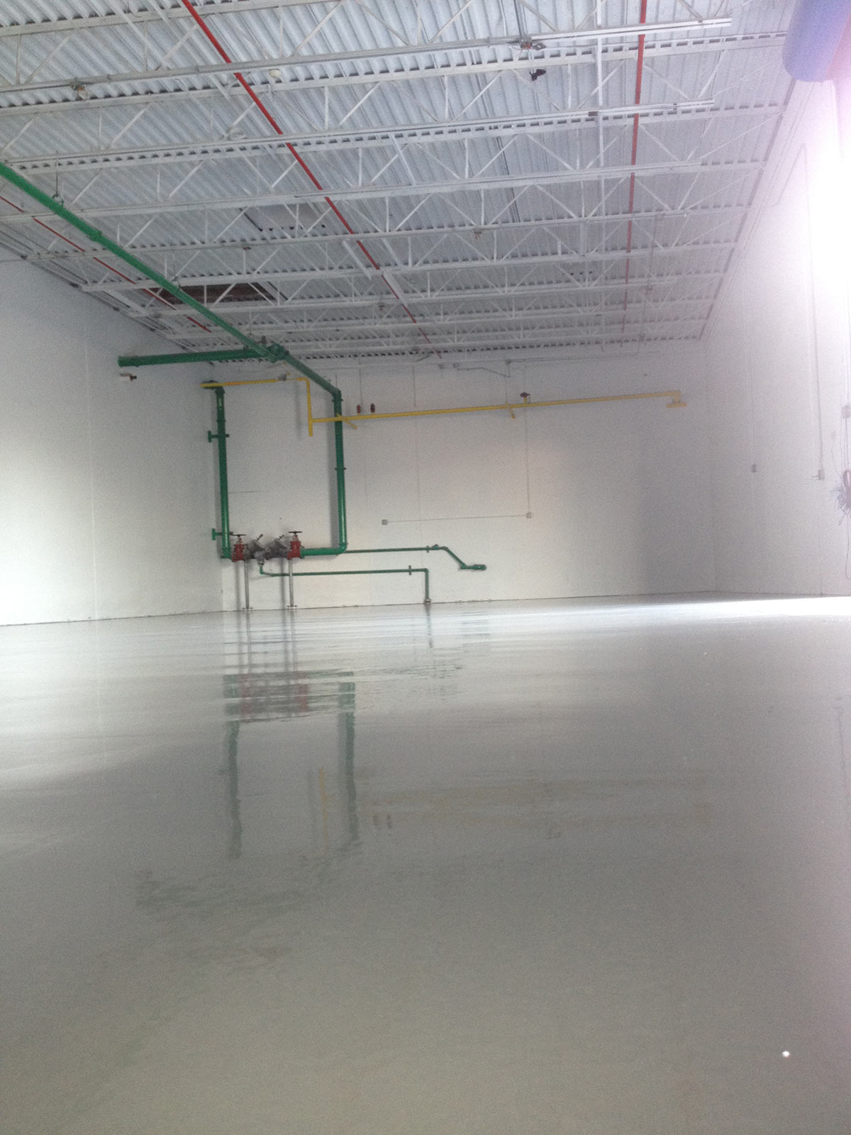 EpoxyFloorings8-Smooth-Epoxy-Floor-2012